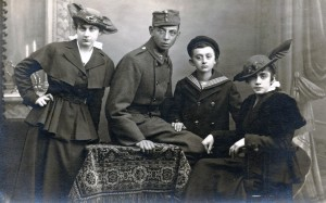 Emmy, George, Hans, and Lilly Kornmehl, Vienna, 1915