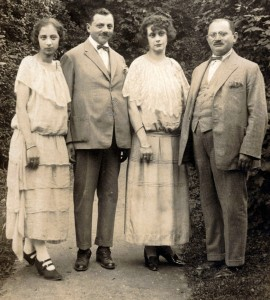 Fathers and daughters: Grete and Rudolph, Emmy and Martin Kornmehl, Bad Hall, July 26, 1923